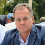 Уверенный старт российских шахматистов на ЧЕ вселяет надежду на успех, заявил Смагин