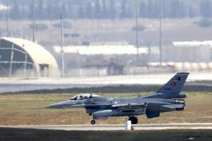 СМИ: Турецкая авиация прекратила полеты над территорией Сирии