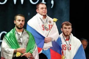 Россиянин Артем Окулов завоевал золото ЧМ по тяжелой атлетике, Апти Аухадов — бронзу