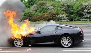 Что делать при возгорании автомобиля?