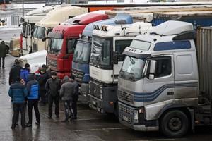 Госдума снизила штрафы для большегрузов