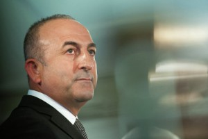 Глава МИД Турции призвал Россию принимать решения «спокойно»