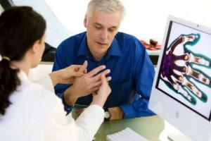 Поражения кисти руки — причины, симптомы и лечение