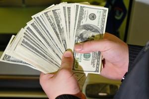 Мировые богачи за неделю потеряли 200 миллиардов долларов