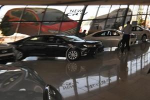 Автопроизводители скорректировали цены на машины в феврале