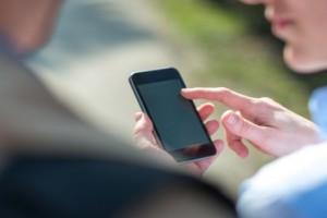 Зависимость от смартфонов может вызывать тревогу и депрессию