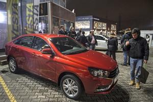 «АвтоВАЗ» удвоил производство Lada Vesta