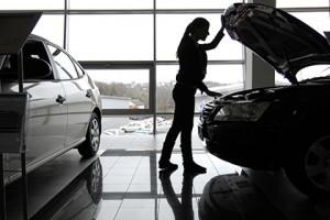 Автопроизводители вновь подняли цены в России