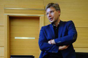 Против градоначальника Риги Нила Ушакова завели уголовное дело за опубликованные им в соцсети карикатуры