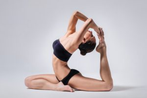 Йога поможет уменьшить симптомы рассеянного склероза