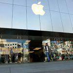 Фонд Баффета оказался владельцем акций Apple на миллиард долларов