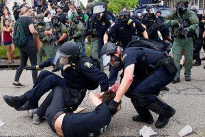 В ходе акции протеста в Луизиане арестованы 48 человек