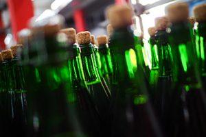 Полмиллиона бутылок поддельной водки арестовали в Смоленской области