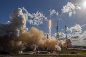 В США стартовала ракета Falcon 9 с японским телекоммуникационным спутником