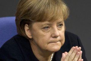Меркель заявила о критическом положении Евросоюза