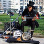В Петербурге обсуждают будущее уличных музыкантов
