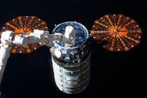 Космический «грузовик» Cygnus размещает на орбите спутники компании Spire