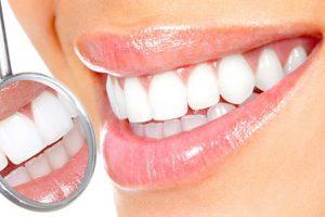 Комплексный уход за ротовой полостью снижает вероятность появления заболеваний десен и зубов