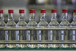 Американский сенатор решил ударить по России запретом на водку
