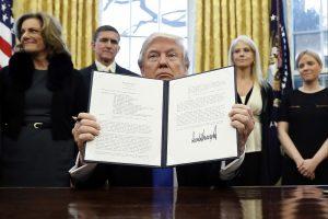 Трамп рассказал о грядущем ужесточении миграционной политики США