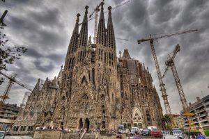 Испания: Барселонский собор поставил новый рекорд посещаемости