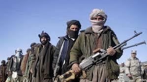 Министр обороны Афганистана ушел в отставку после нападения талибов
