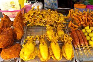 Уличная еда в Бангкоке вышла из-под запрета
