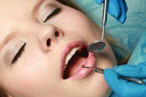 Наркоз при имплантации зубов можно применять только после тщательного обследования