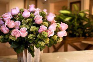 Салон цветочных букетов предлагает услуги доставки
