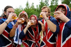 За что не любят британских и побаиваются наших туристов