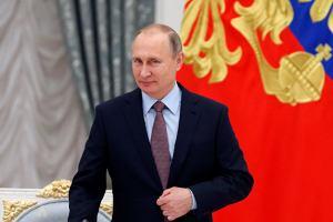 Президент России подписал законы о курортном сборе и платном багаже