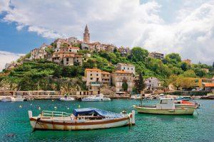 Хорватский курорт защищается от пьяных туристов