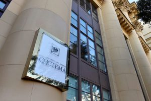 Raiffeisen Bank допустил потерю «Системой» контроля над долей в МТС