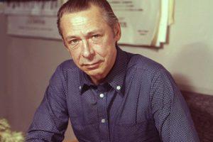 «Он въехал в двери МХАТа, влетел на белом княжеском коне»: сегодня исполняется 90 лет со дня рождения Олега Ефремова