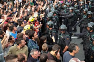 Премьер Испании припугнул Каталонию «большим злом»