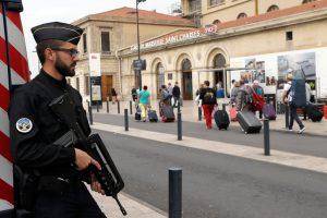 Франция существенно расширит полномочия спецслужб