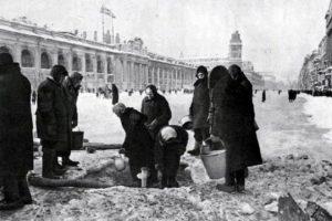 Спектакль о блокаде Ленинграда в Северной столице показал кукольный театр из Дании