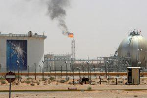 Саудовская Аравия резко сократит экспорт нефти после встречи короля с Путиным