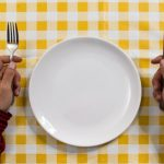 Периодическое голодание помогает сохранить молодость