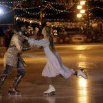 Татьяна Навка и Пётр Чернышев выступили на открытии катка на Красной площади