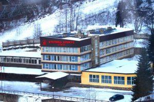 В горнолыжном поселке Домбай открылся новый отель сети «Ателика»