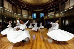 В Турции стартует традиционный фестиваль вращающихся дервишей