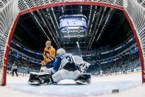 Неделя звезд хоккея КХЛ стартовала матчем между девушками