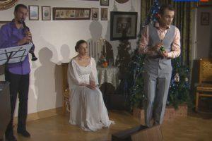 На одной из сцен Малого театра поставили сказку «Приключения новогодних игрушек»