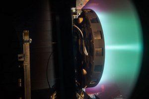 Сможет ли ионный двигатель X3 доставить людей к Марсу?