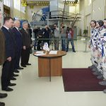 Во время выхода в космос новый экипаж МКС запустит наноспутники вручную