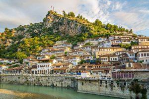 Албания отменяет визы на летний сезон