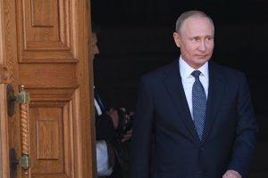 Путин поручил обеспечить использование российского ПО в госорганах