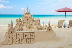 За сооружение замков из песка на о. Боракай может грозить срок