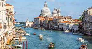 Для «однодневных туристов» в Венеции введут платные входные билеты